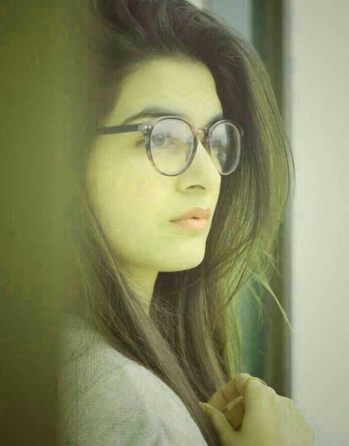 Cute Girl Pic For Dp Wallpaper Hd Free