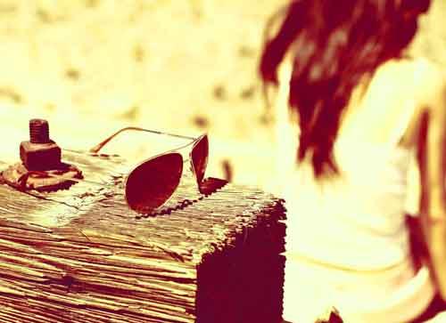 alone girl Whatsapp Dp Images 1