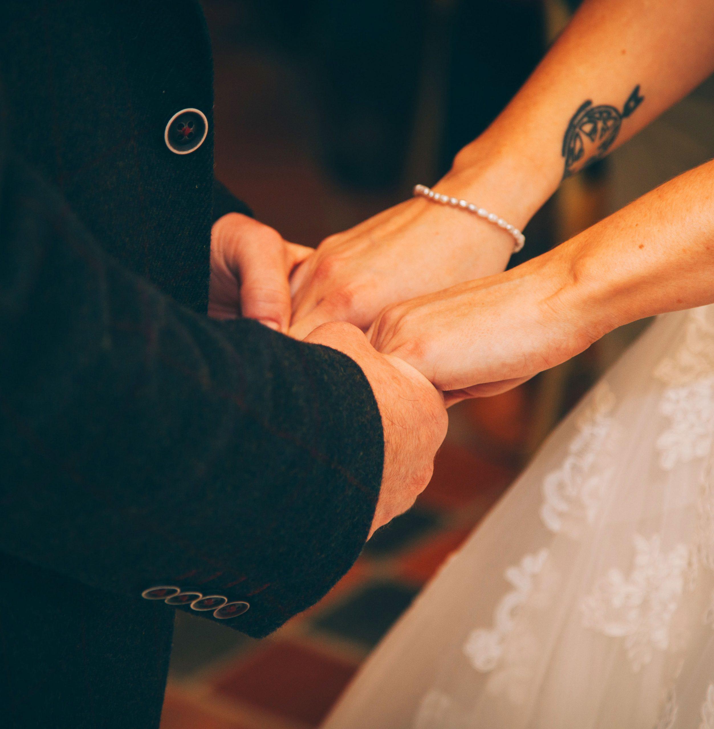 1080p Love Couple Sad Dp Images pics
