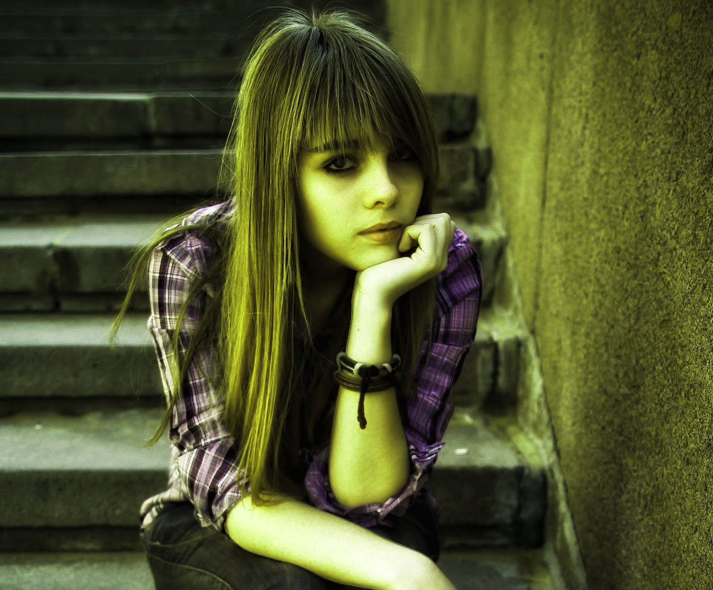 Alone Girls sweet whatapp dp Images