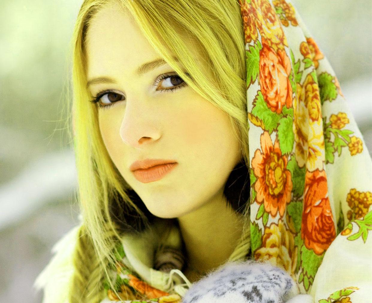 Beautiful Girls Images Wallpaper for Status
