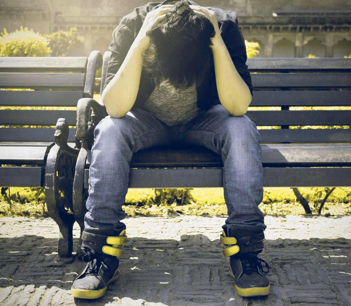 Best Quality Sad Alone boy whatsapp dp Images 3