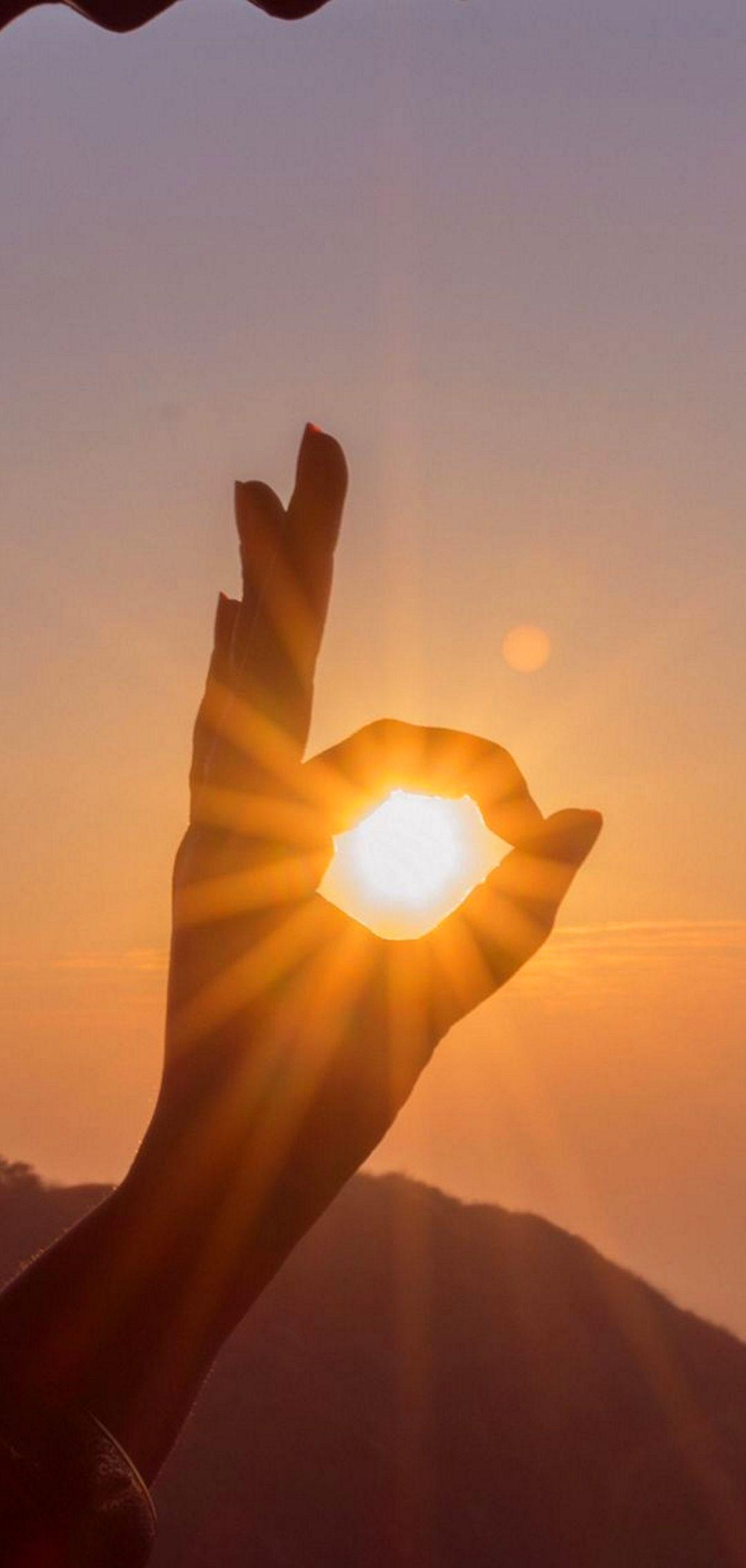 Hand Sun Rays Nature 1080x2 1