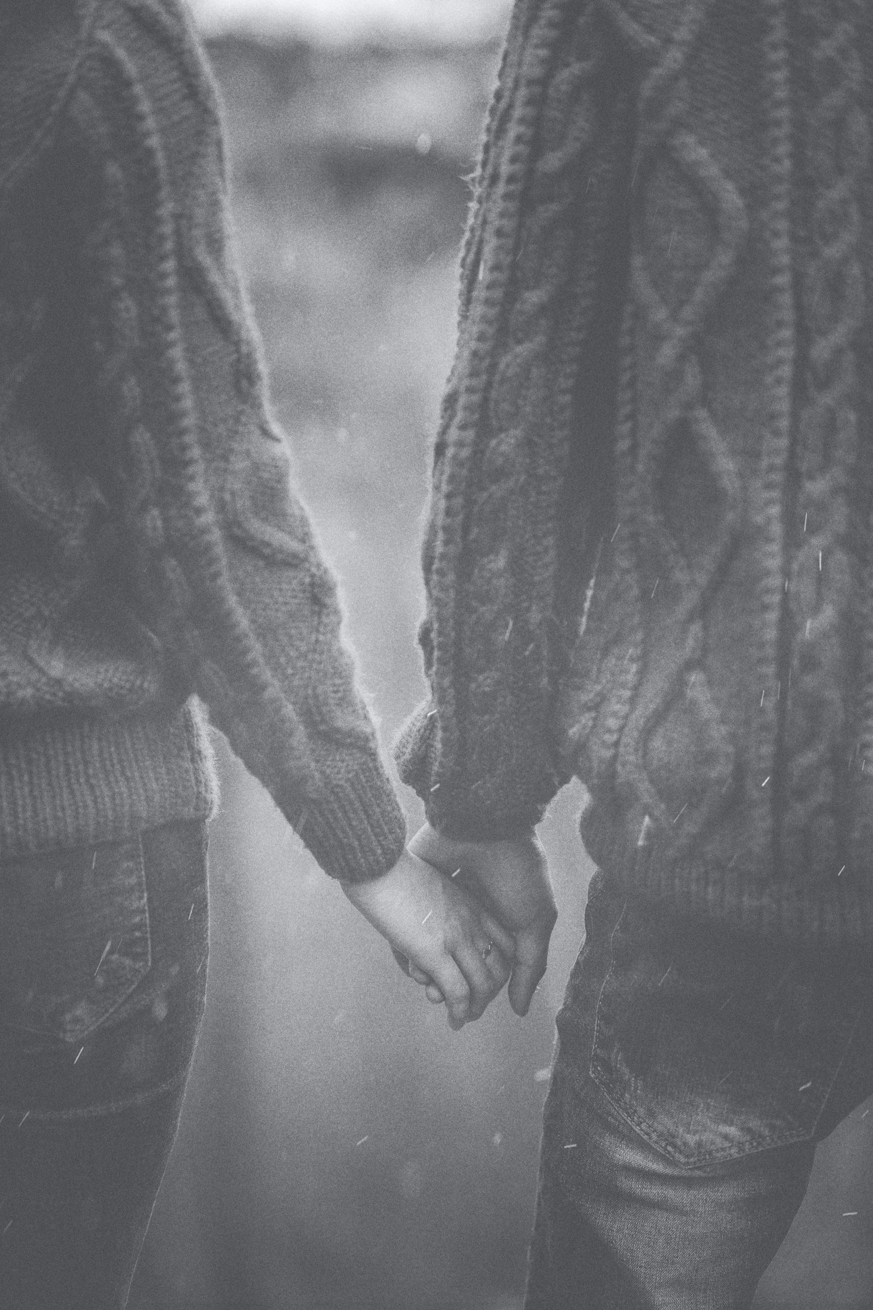 Latest Love Couple Sad Dp Images photo