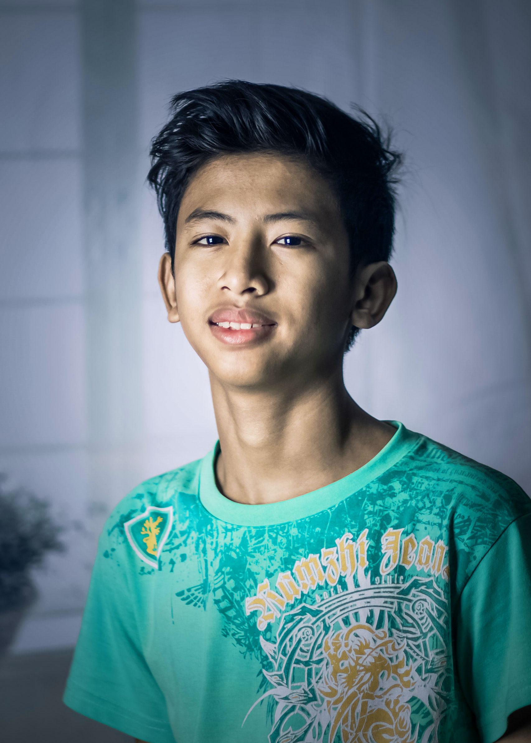 Latest Sad Boy Dp Images wallpaper photo hd