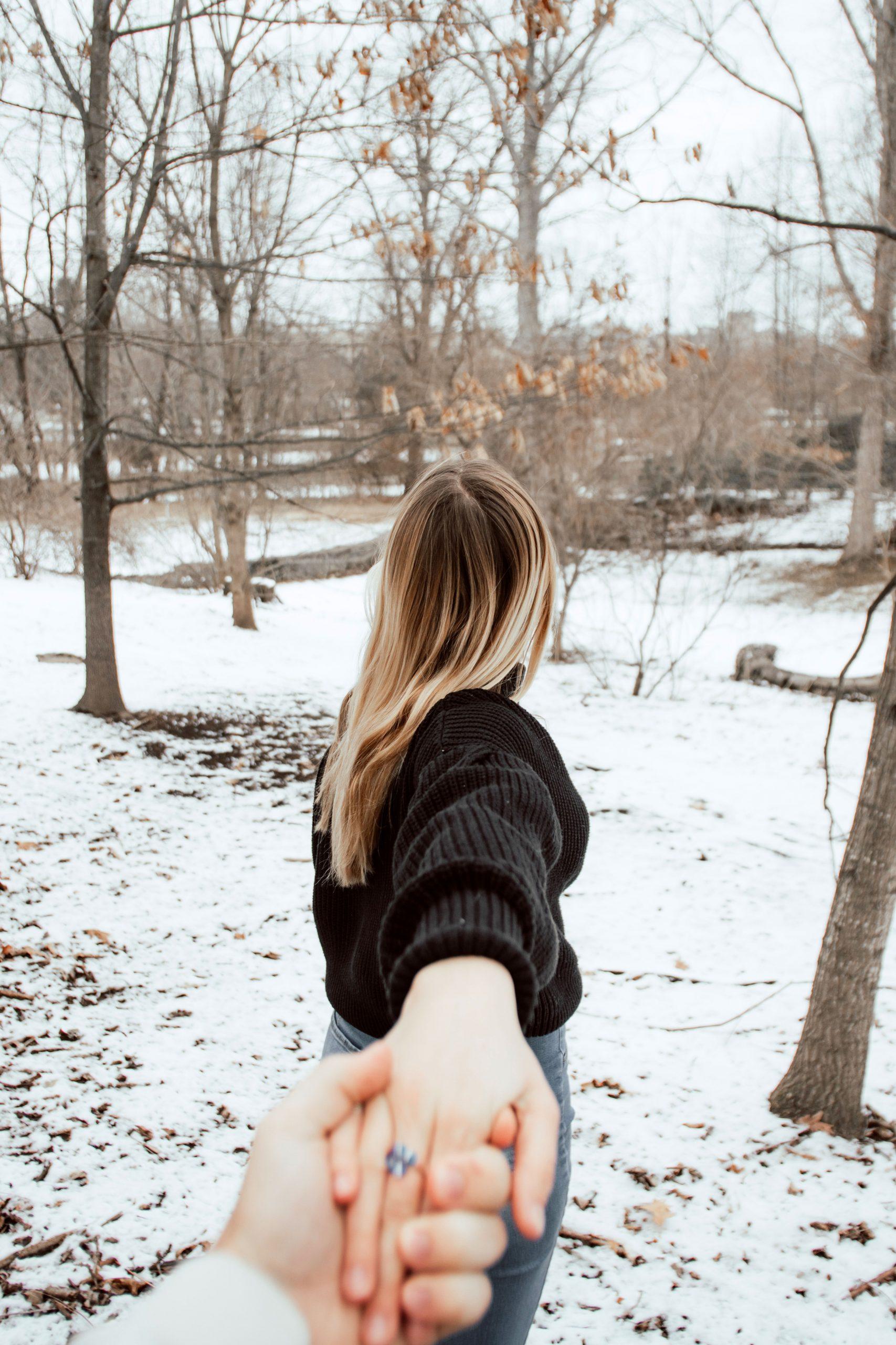 Love Couple Sad Dp Images pictures pics free hd