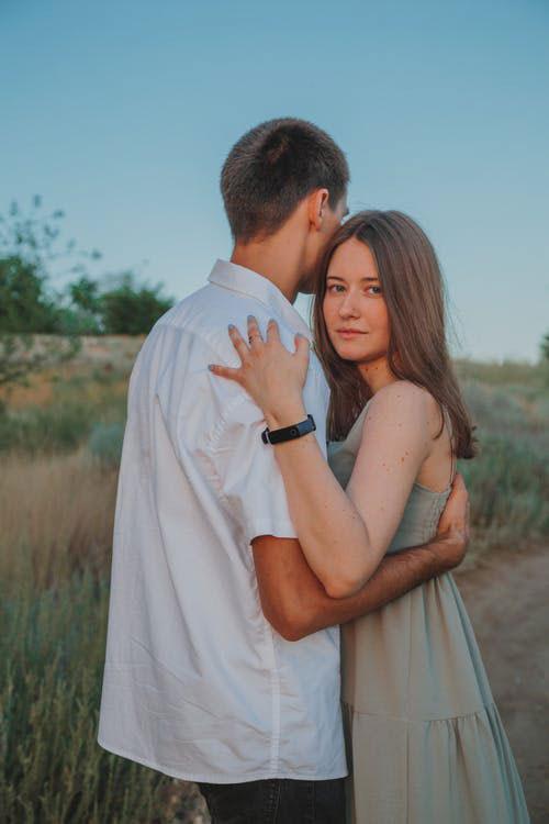 New Cute Couple Images wallpaper pics