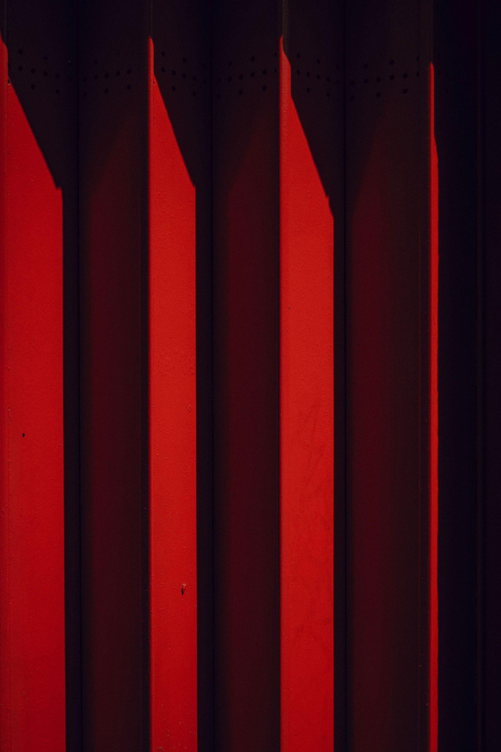 Red Wallpaper for status