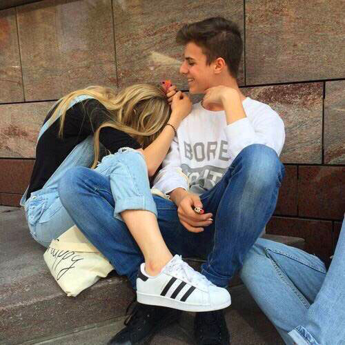 cute Girlfriend Whatsapp Profile Images photo